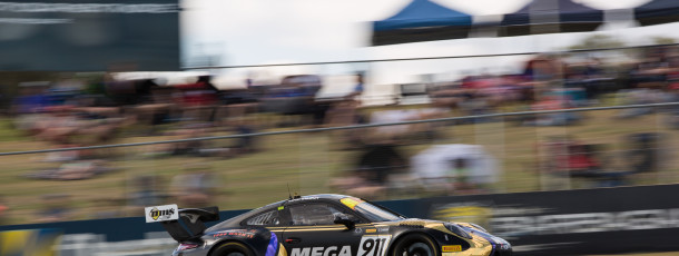 Liam Talbot flies to the Aus GT round win in Perth